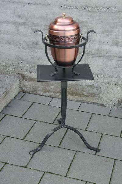 Urnenständer mit Urnentrage